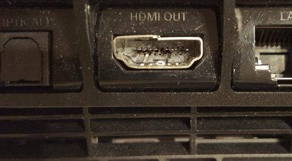 Поврежденный разъем HDMI